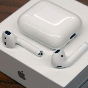 IPHONE AIRPODS 1ST GEN. WITH ORG.BOX